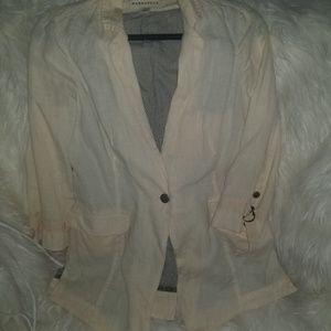 🦄 Anthropologie Linen blazer